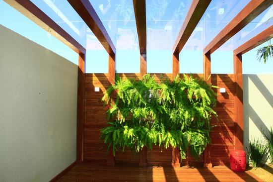 madeira-no-jardim